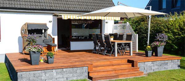 Sonneschutz für die Terrasse - 5 schattige Möglichkeiten mit Vor- und Nachteilen