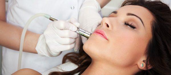 6 Behandlungsmöglichkeiten gegen Aknenarben